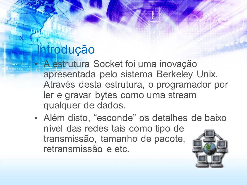 Servidor package net.stream; import java.net.*; import java.io.*; public class KnockKnockServer { public static void main(String[] args) throws IOException { try { ServerSocket serverSocket = new ServerSocket(4444); Socket clientSocket = serverSocket.accept(); BufferedReader in = new BufferedReader(new InputStreamReader(clientSocket.getInputStream())); String inputLine; while ((inputLine = in.readLine()) != null) { System.out.println( Server: + inputLine); if (inputLine.equals( Bye. )) { //Se alguem enviar um Bye o programa acaba break; } in.close(); clientSocket.close(); serverSocket.close(); } catch (Exception e) { e.printStackTrace(); }