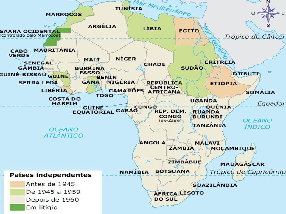 ECONOMIA Para estabelecer essa economia comercial, os colonizadores organizaram grandes plantations, onde se cultivava apenas um gênero agrícola, embora ela produza para exportação enfrenta o problema da alimentação.