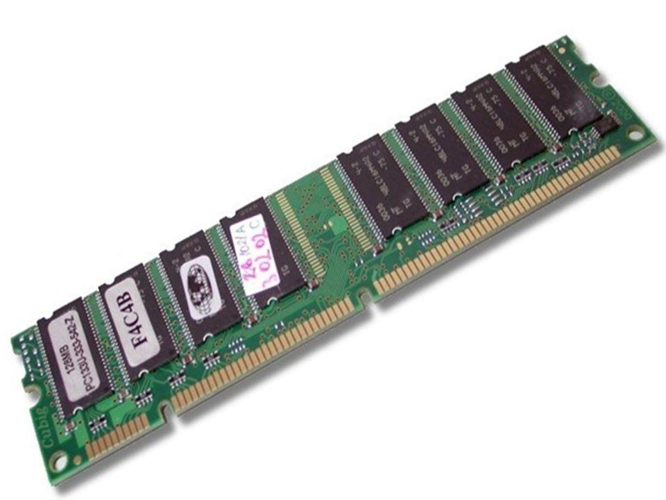 Memória RAM RAM = RANDOM ACESS MEMORY É um conjunto de chips que acumulam as informações enquanto estão sendo processadas.
