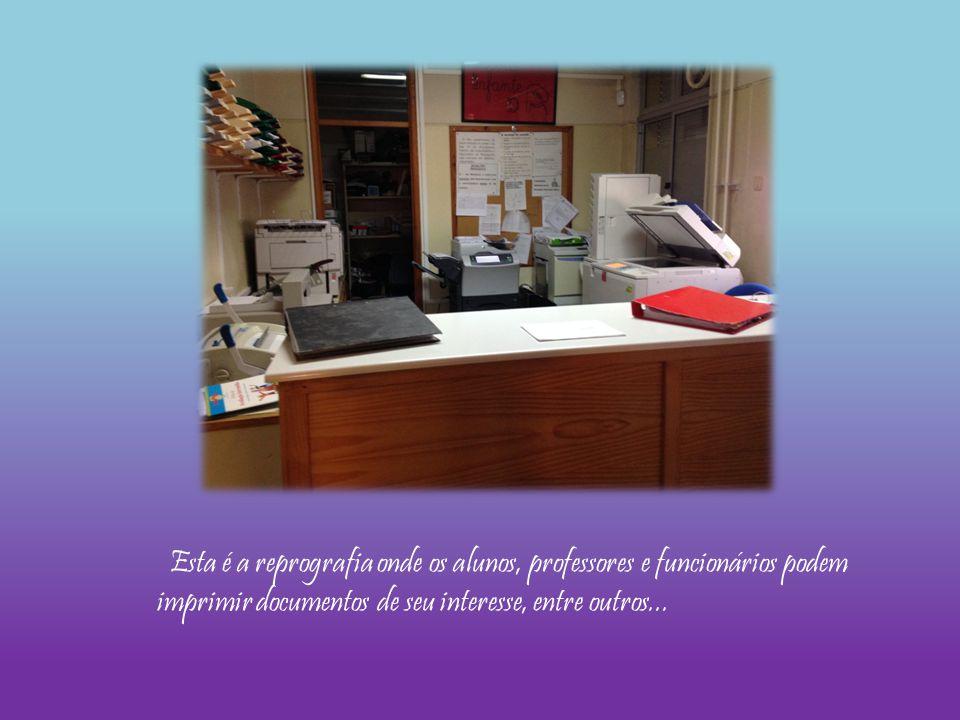 Esta é a reprografia onde os alunos, professores e funcionários podem imprimir documentos de seu interesse, entre outros...
