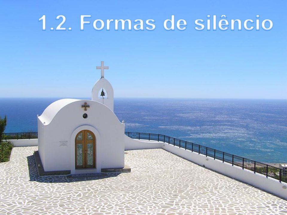At 18,9 Certa noite, o Senhor disse a Paulo: Não temas, continua a falar, porque Eu estou contigo.»