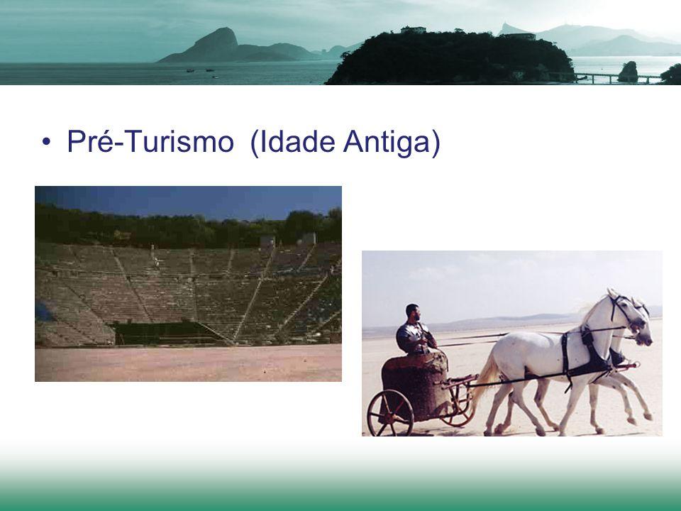 Entre os romanos, a primeira segmentação nesta área foi a criação das diversoria, lugar que recebia militares e autoridades governamentais, assim como das tabernas e cauponae, que ofereciam acomodações para o público em geral.