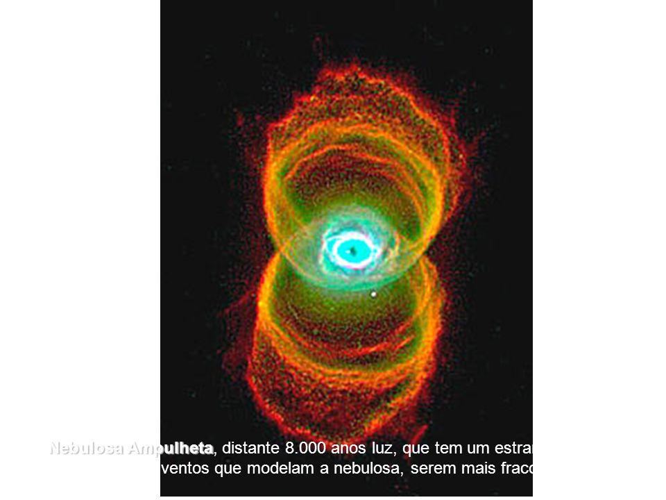 [5] A Nebulosa Ampulheta Ampulheta, distante 8.000 anos luz, que tem um estrangulamento no meio, por causa dos ventos que modelam a nebulosa, serem mais fracos na sua parte central.