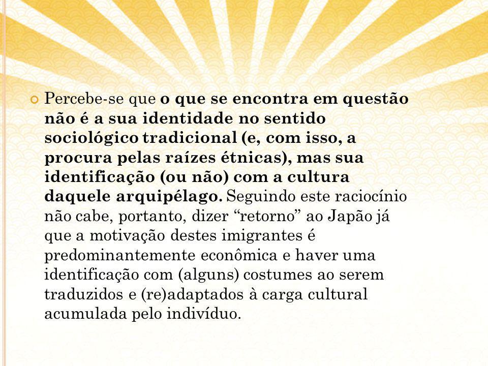 Percebe-se que o que se encontra em questão não é a sua identidade no sentido sociológico tradicional (e, com isso, a procura pelas raízes étnicas), mas sua identificação (ou não) com a cultura daquele arquipélago.