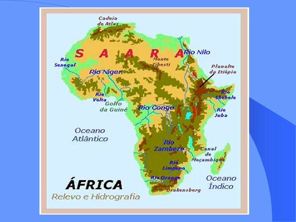 Movimentos de independência Os primeiros países independentes e únicos antes da 2ª Guerra Mundial eram o Egito (1922), Libéria (1826), África do Sul (1910) e Etiópia; Após a 2ª Guerra Mundial começa um processo de independência através de acordos ou à força, que se intensifica entre os anos de 50 a 70; Permanece a dependência econômica;