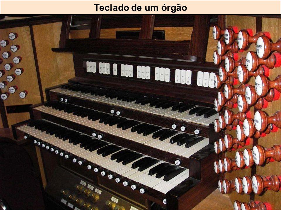 Grandes órgãos da catedral de St-André de Bordeaux (Département de la Gironde)