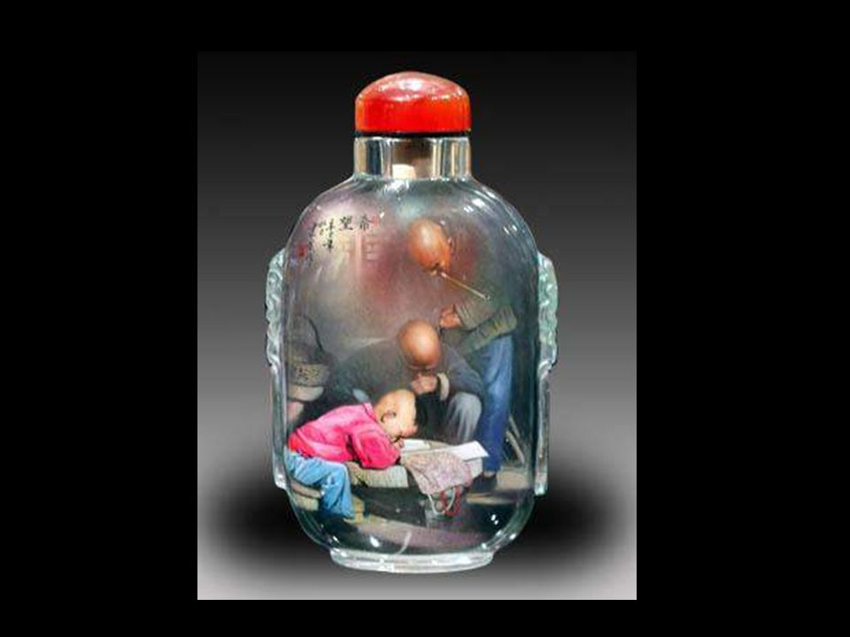 In the late of Ming Dynasty, the snuff came to China, so the snuff bottles developed gradually.