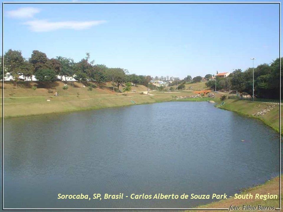 Sorocaba, SP, Brasil – Bus stop in the garden