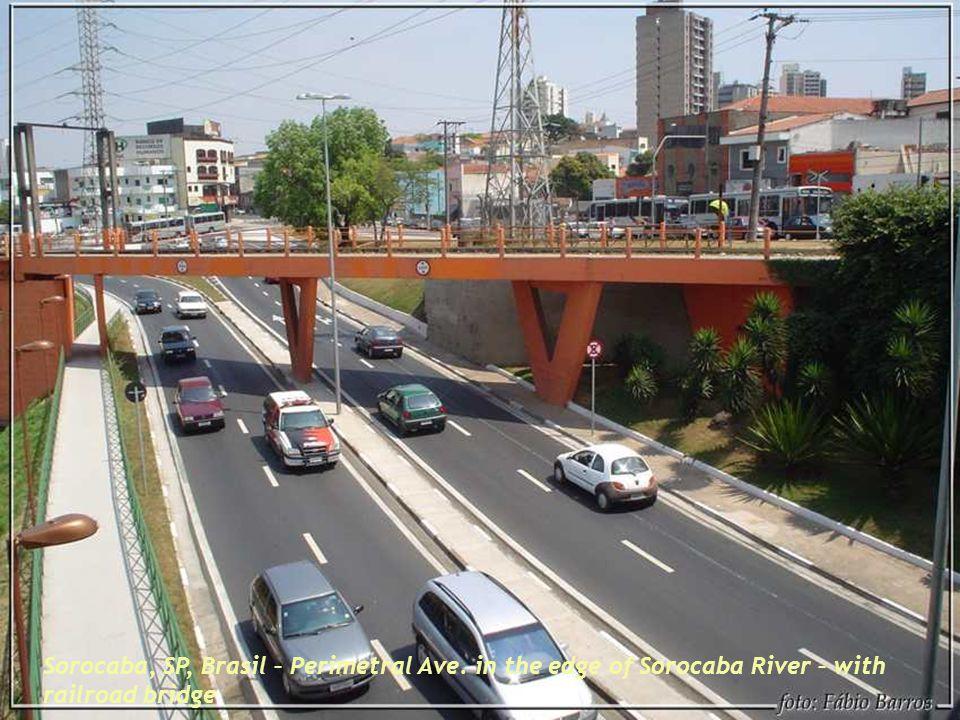 Sorocaba, SP, Brasil – Perimetral Ave. in the edge of Sorocaba River