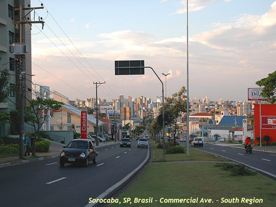 Sorocaba,SP, Brasil – Central garden with the statue of the industrialization pioneer