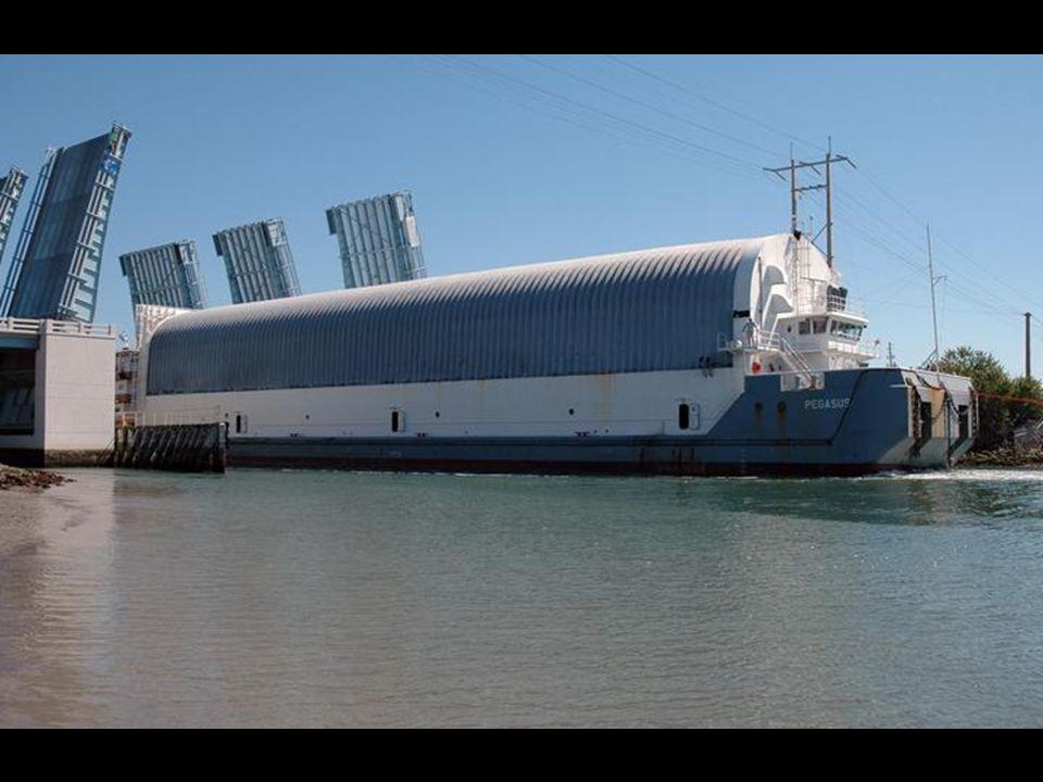 Vertical Assembly Building (VAB) Edifício da Montagem Vertical (VAB) External Tank Tanque Externo