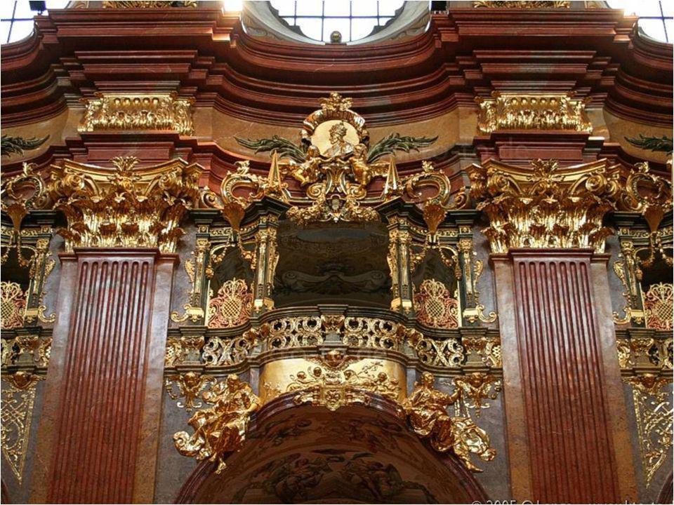 Os camarotes laterais onde os imperadores assistiam as missas.