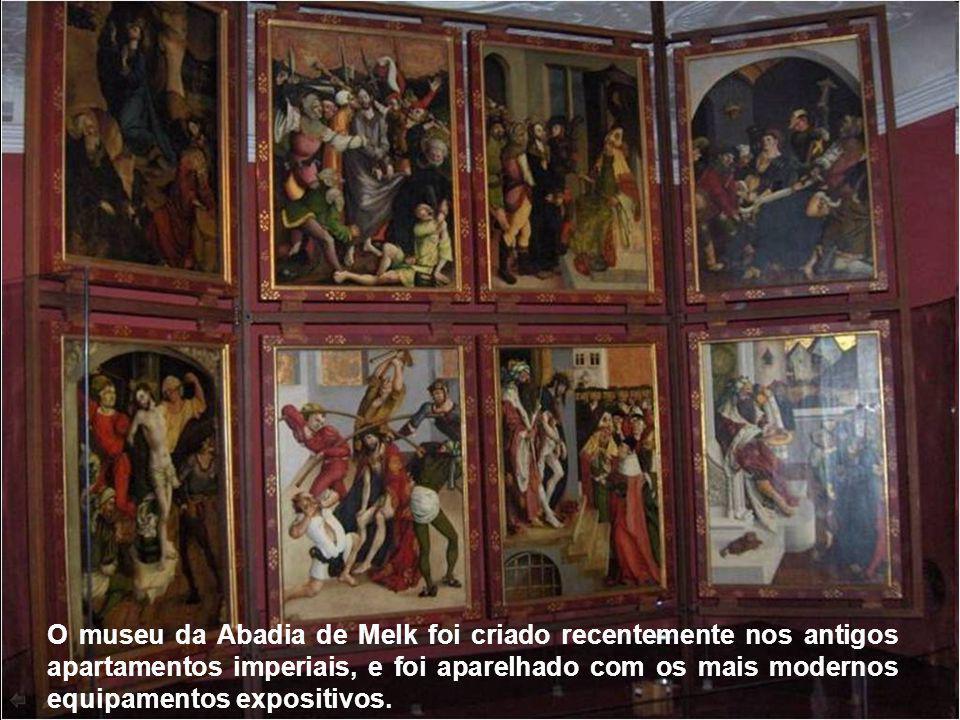 Há no complexo um museu sobre a história da abadia, com um precioso acervo de tesouros antigos, e é desenvolvida atividade docente, que atende 900 alu