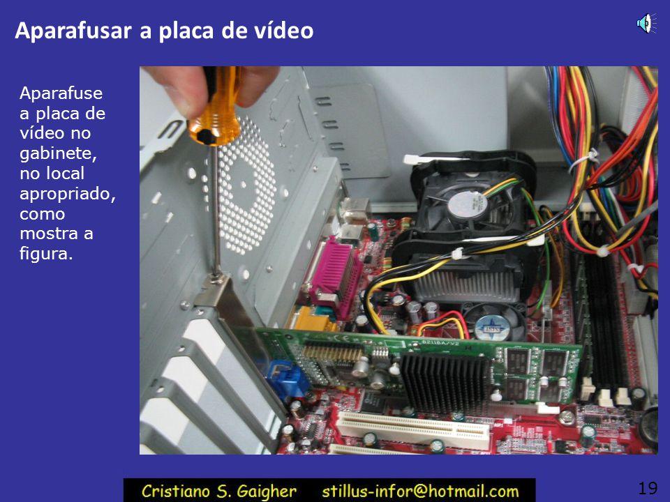 Trava do slot AGP Ao mesmo tempo em que a placa AGP é instalada no seu slot, a trava deverá se mover para cima, automaticament e. A placa ficará então