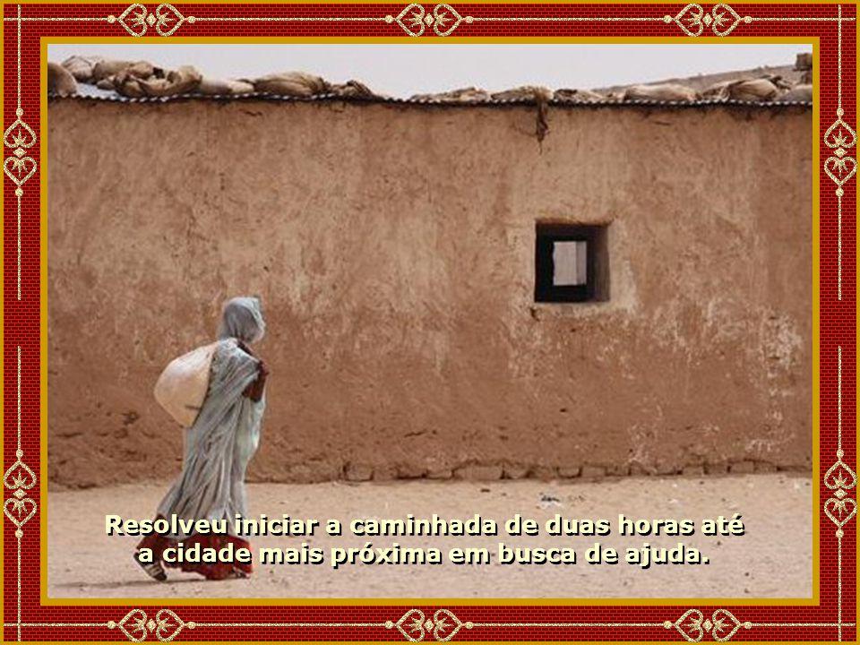Uma pobre mulher morava em uma humilde casinha com sua neta muito doente.