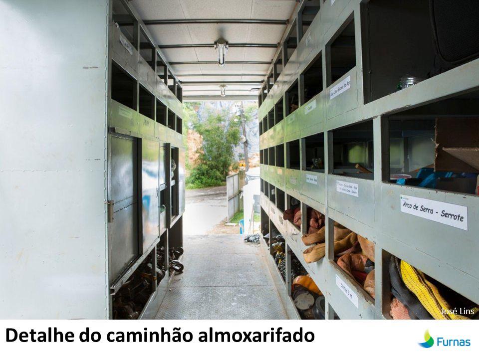 Detalhe do caminhão almoxarifado José Lins