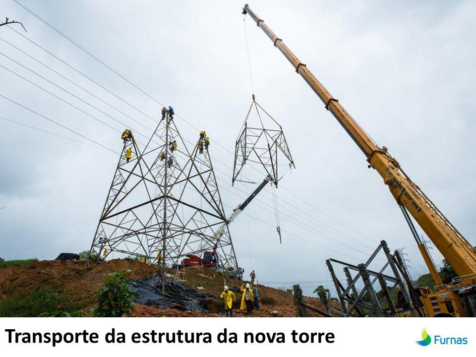 Transporte da estrutura da nova torre