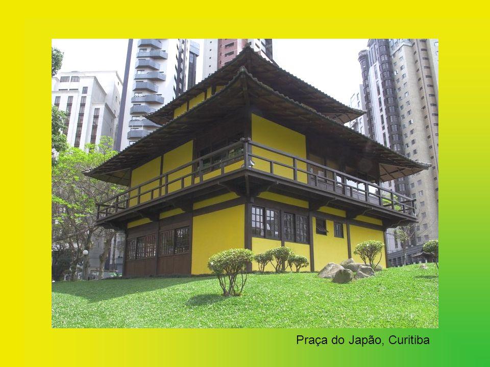 Colônia japonesa no Brasil. A imigração japonesa no Brasil começou no início do século XX. Plenamente integrados à cultura brasileira, contribuem com