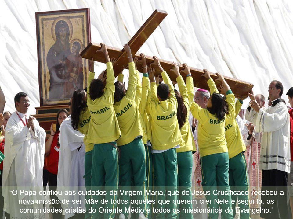 """""""A tarefa missionária não é revolucionar o mundo, mas transfigurá-lo, buscando a força em Jesus Cristo que nos chama à mesa de sua Palavra e da Eucari"""