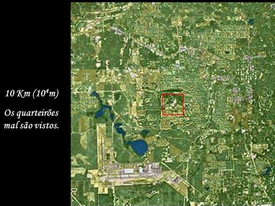 100 Km (10 5 m) da superfície. Cidade de Tallahassee na Flórida USA, um pouco mais próximo...