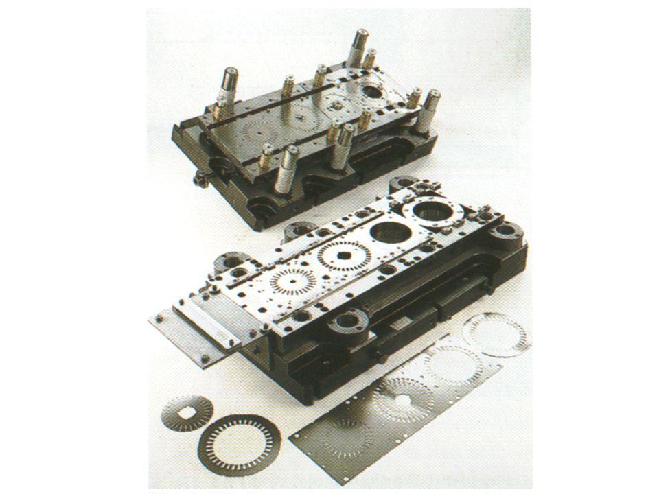 O ensaio de embutimento tem como objetivo avaliar a estampabilidade de chapas e/ou tiras metálicas, relacionando características mecânicas e estruturais da peça com as máximas deformações possíveis de ser realizadas sem que ocorra ruptura [ASTM E643-84].