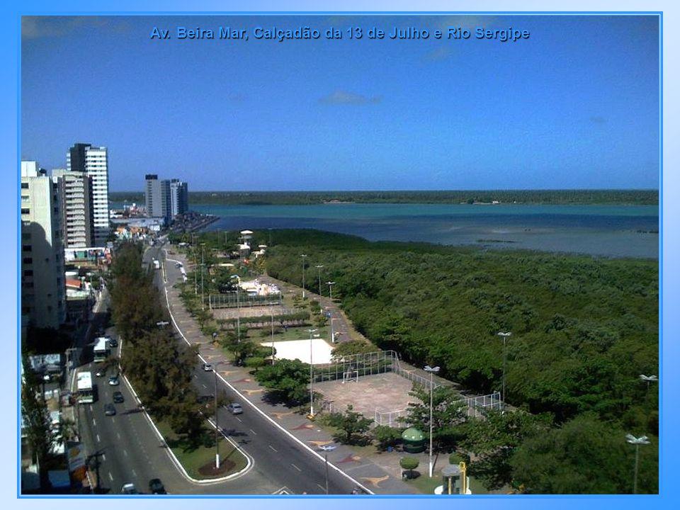 Calçadão da Praia 13 de Julho, na Av. Beira Mar