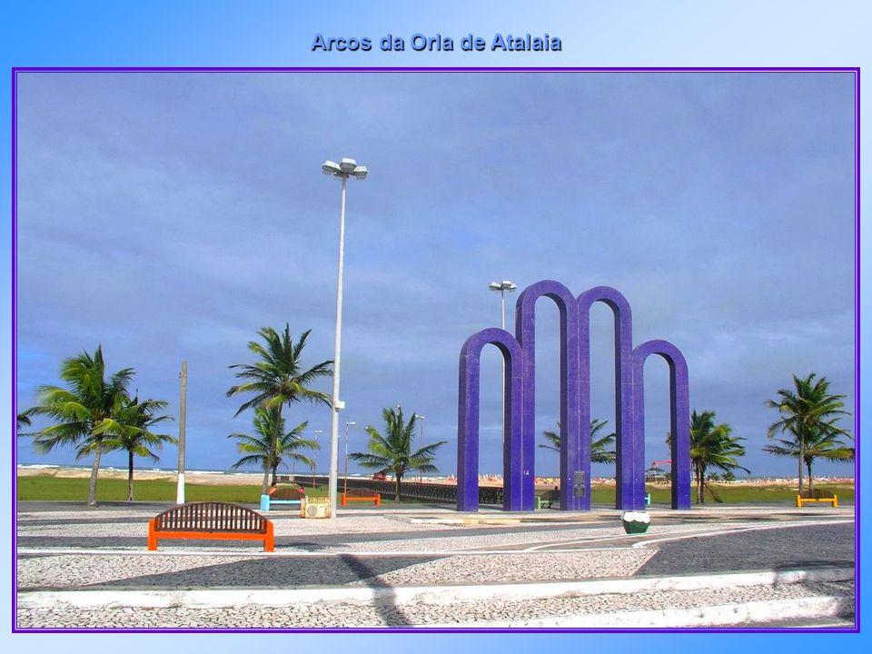 Orla da Atalaia - passarela de acesso à água