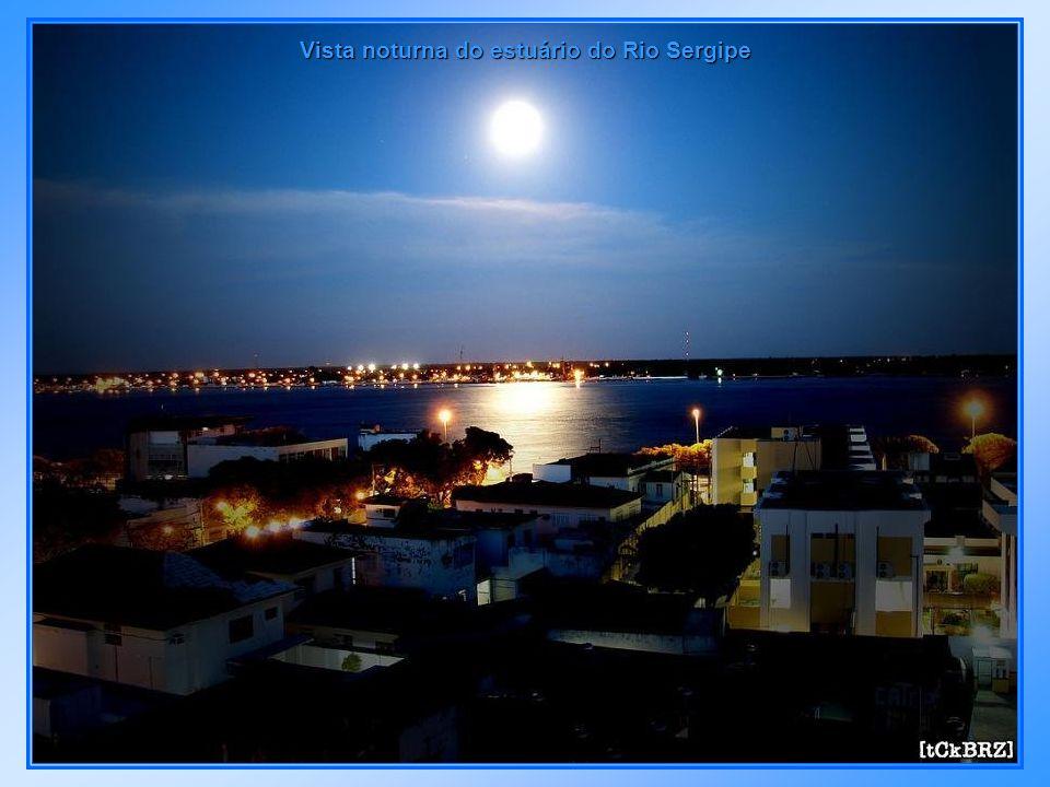 Av. Beira Mar - 13 de Julho, ponte de acesso à Coroa do Meio e Shopping Riomar