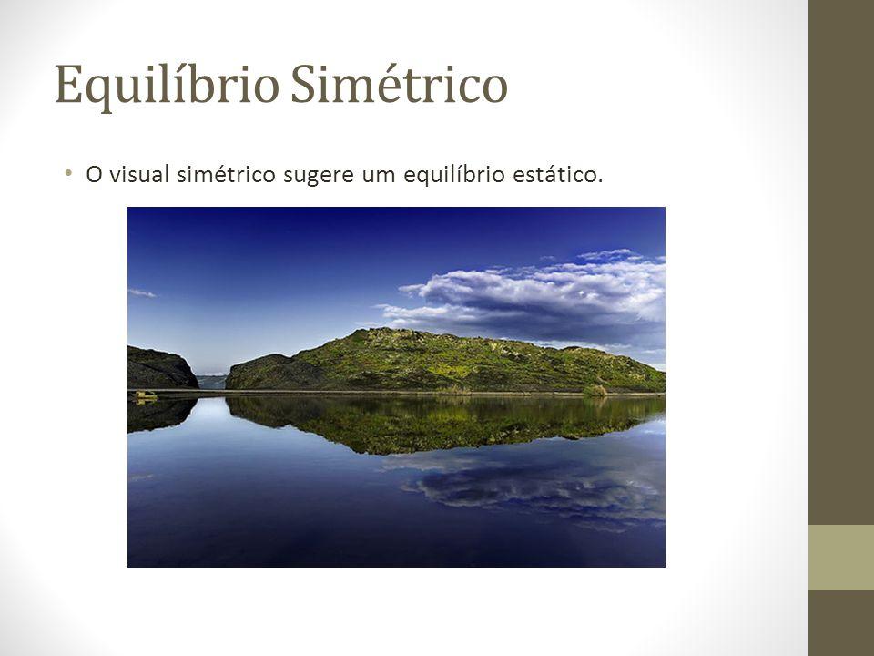 PARTIDO ARQUITETÔNICO Busca de Equilíbrio formal sem simetrias estáticas.