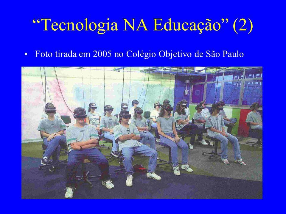 """""""Tecnologia NA Educação"""" (2) Foto tirada em 2005 no Colégio Objetivo de São Paulo"""