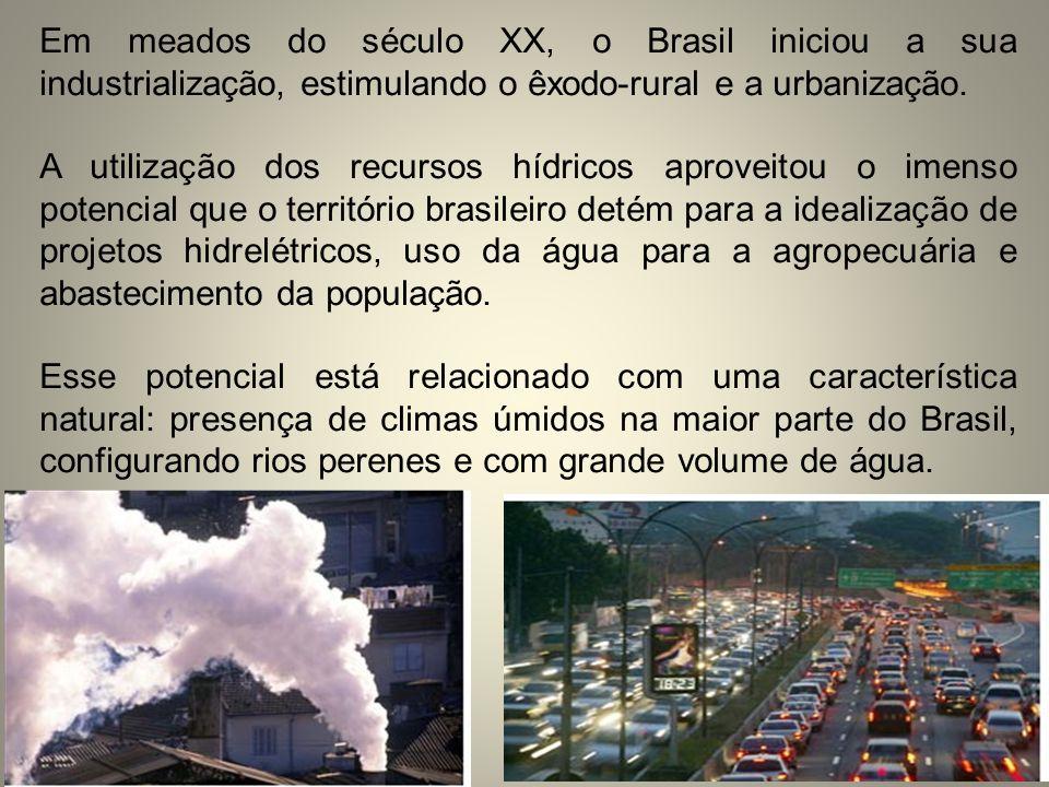 Em meados do século XX, o Brasil iniciou a sua industrialização, estimulando o êxodo-rural e a urbanização. A utilização dos recursos hídricos aprovei