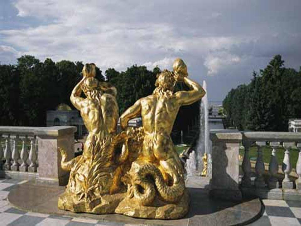 O símbolo mais pitoresco da vitória dos russos sobre os turcos é a fonte de Sansão com o herói bíblico abrindo a bocarra do leão.