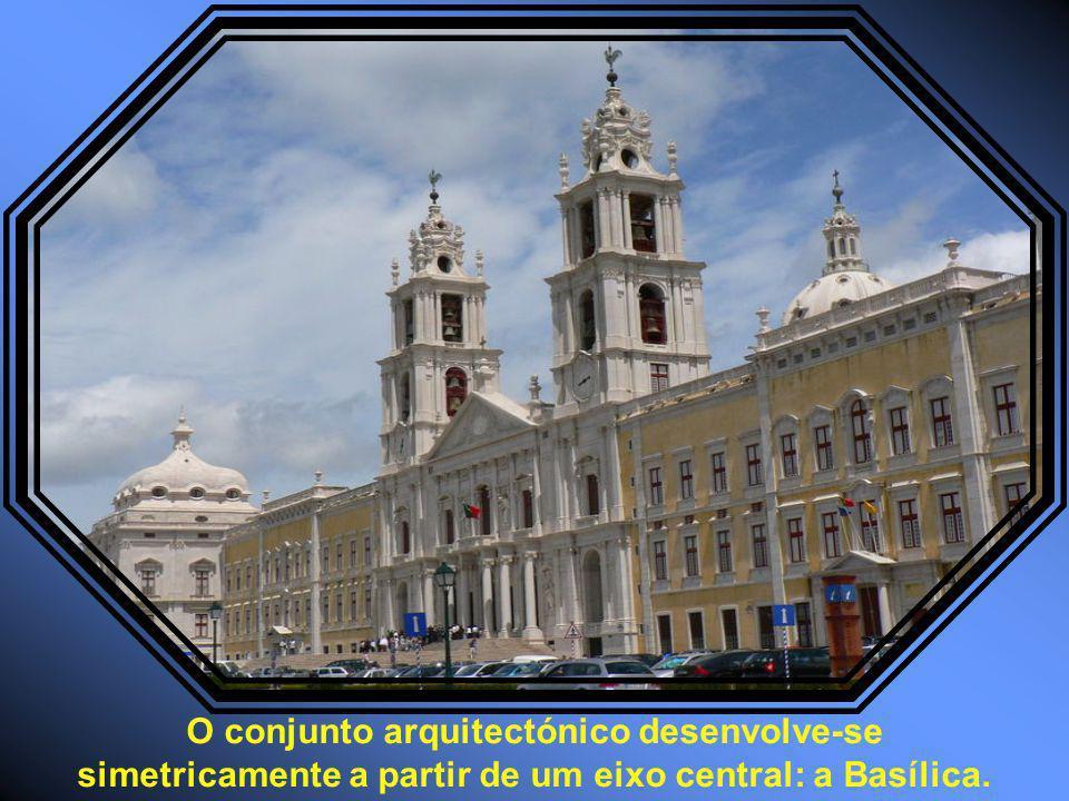 Mandado construir por D. João V, é o mais importante monumento do barroco português.