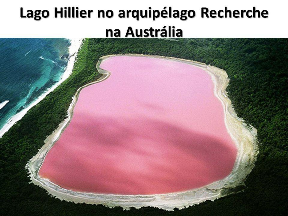 Lago Hillier no arquipélago Recherche na Austrália