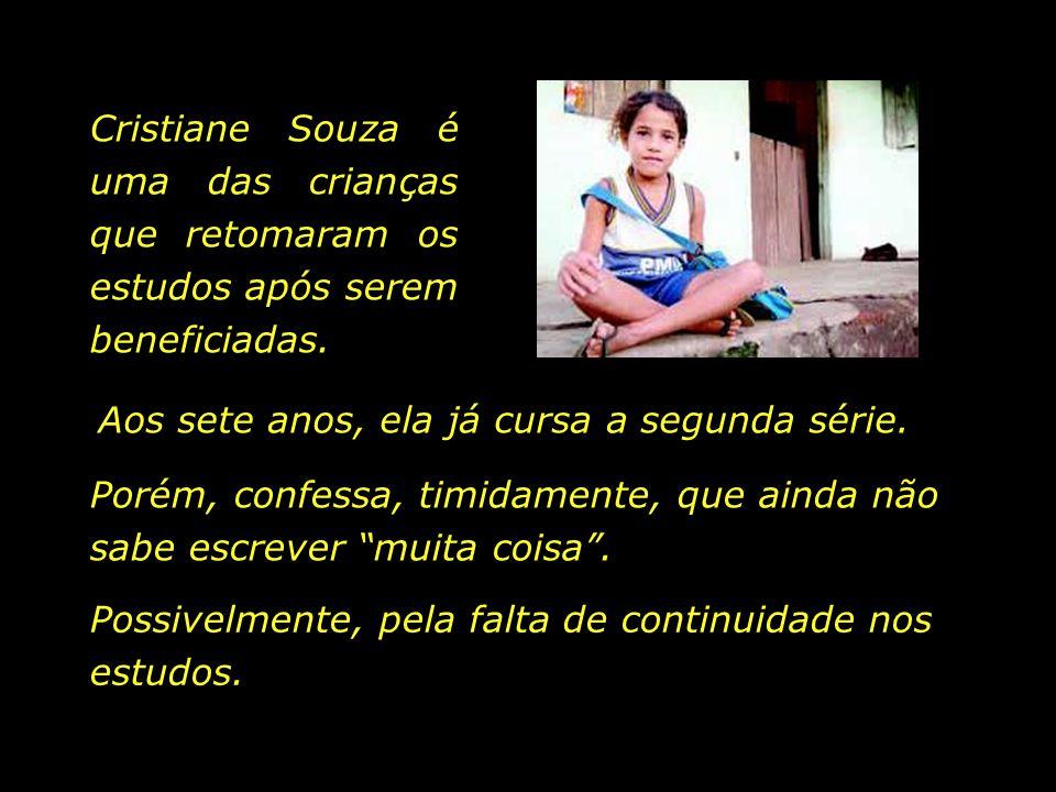 A secretária de educação do município, Valdenice Aguiar, ao tomar conhecimento do fato, foi a uma fábrica de calçados no Recife, em busca de meios par