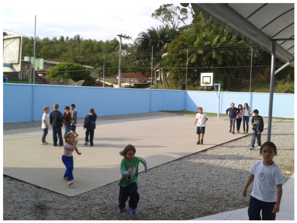 Espaço de sala de aula A primeira observação na escola foi realizada no dia 17/04 no período vespertino.