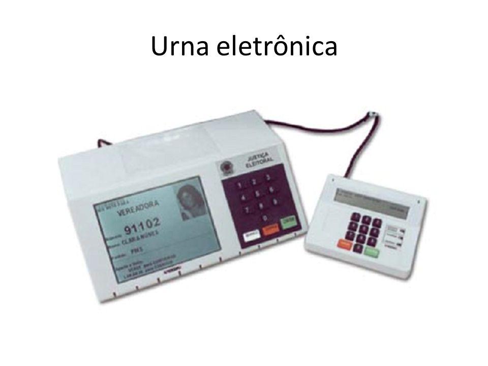 Sistema Eletrônico de Votação e da Totalização dos Votos § 7º A Justiça colocará urnas eletrônicas para treinamento dos eleitores...