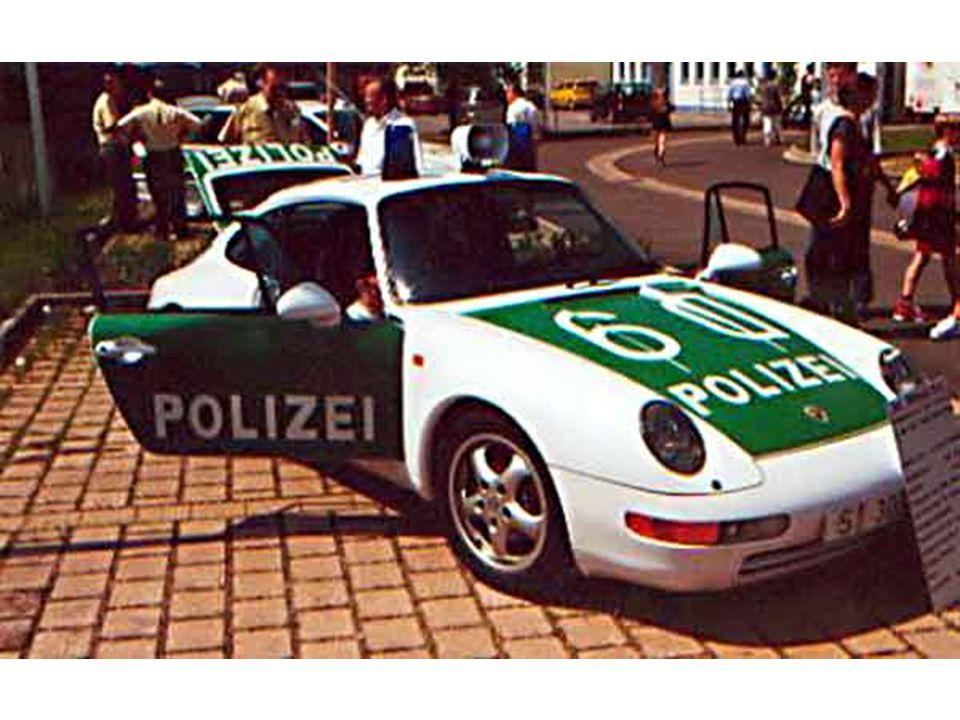 Alemanha (Porsche - 0-100 em 5,5 segundos - 230Km/h)