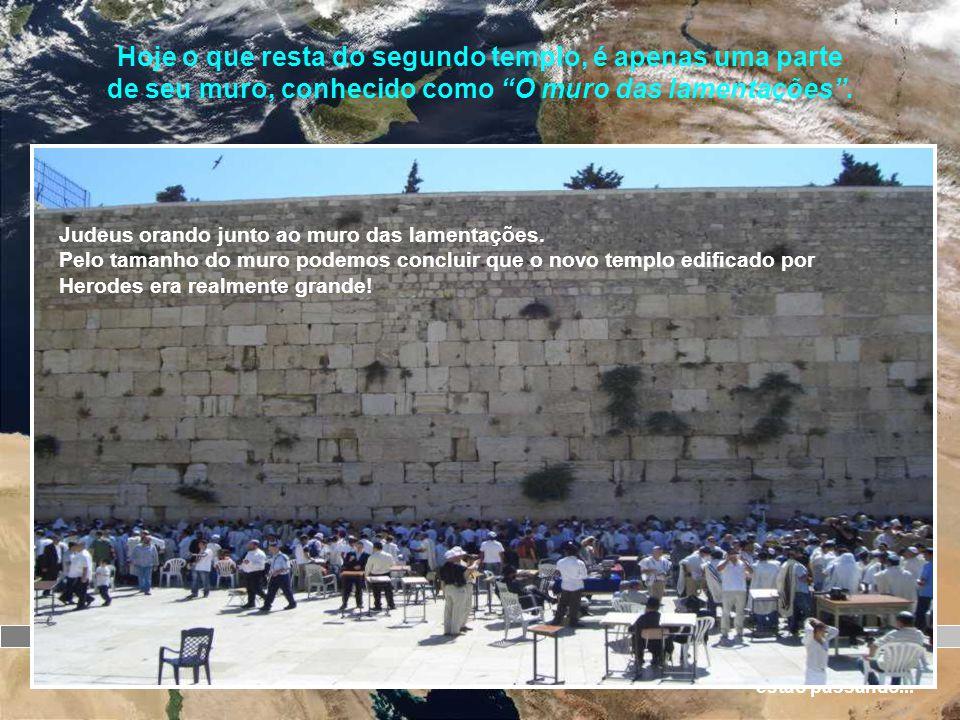 Jerusalém O templo é concluído 65 d.C. Revolta dos judeus contra o domínio de Roma 66 d.C 70 d.C O templo é destruído A r c o d e T i t o Soldados car