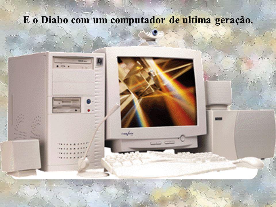 """No dia marcado, Jesus de um lado com um computador antigo, praticamente """"desmemoriado""""..."""