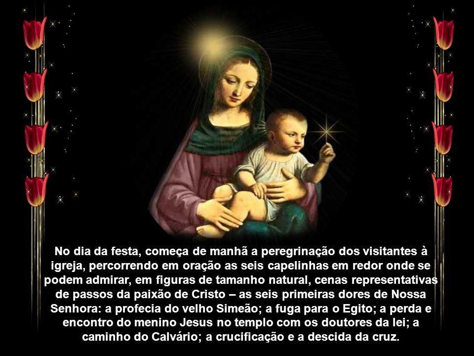 """""""Na Póvoa, o culto da mãe de Jesus sob esta invocação remonta a 1768, ano em que foi colocada uma imagem na antiga capela do Senhor do Monte. A grande"""