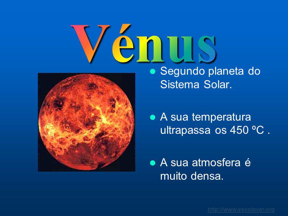 http://www.escolovar.org Mercúrio é o planeta mais próximo do Sol. Com a sua pequena massa não possui gravidade suficiente para reter uma atmosfera de