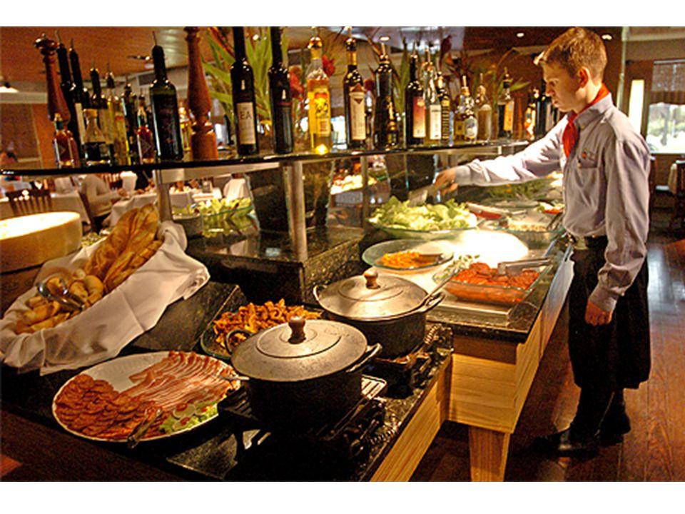 Exemplo 2: Um restaurante prepara 4 pratos quentes (frango, peixe, carne assada, salsichão), 2 saladas (verde e russa) e 3 sobremesas (sorvete, romeu