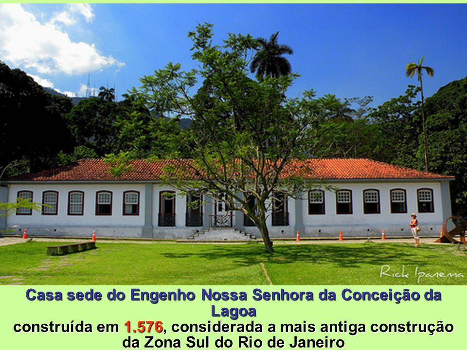 Desde 1.993, a Casa abriga o complexo Centro de Visitantes composto por uma livraria, cafeteria (Café Botânica) e loja de souvenires Engenho Nossa Sen