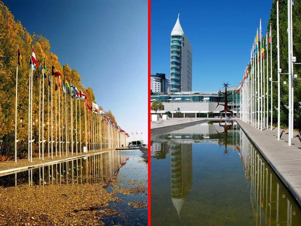 Espelho d´Água no Rossio dos Olivais... e as Bandeiras de todas as Nações.