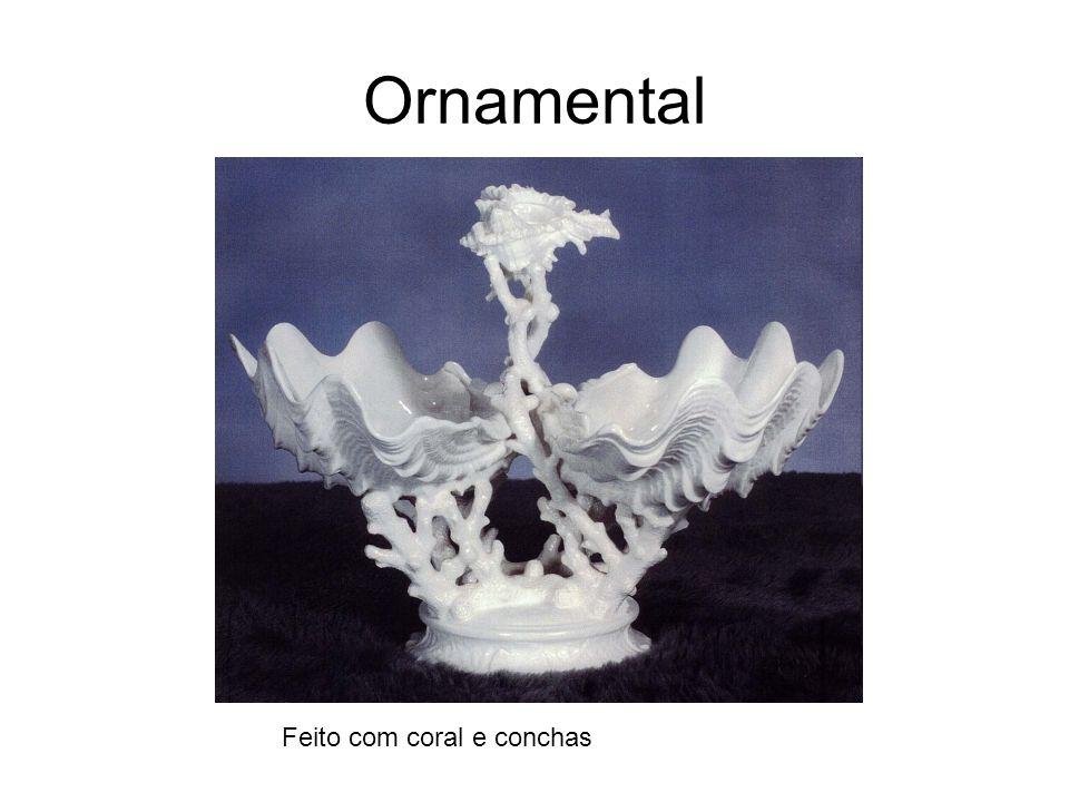 Ornamental Feito com coral e conchas