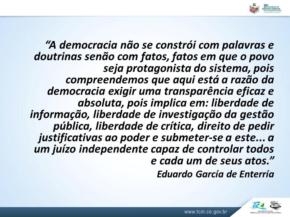 """""""A democracia não se constrói com palavras e doutrinas senão com fatos, fatos em que o povo seja protagonista do sistema, pois compreendemos que aqui"""