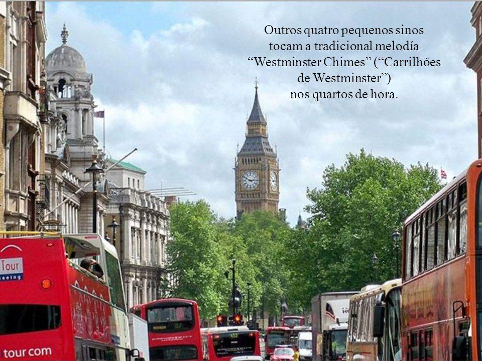 Na verdade, Big Ben se refere ao grande sino do relógio, de 13,8 toneladas de peso, que se incumbe de dar as horas.