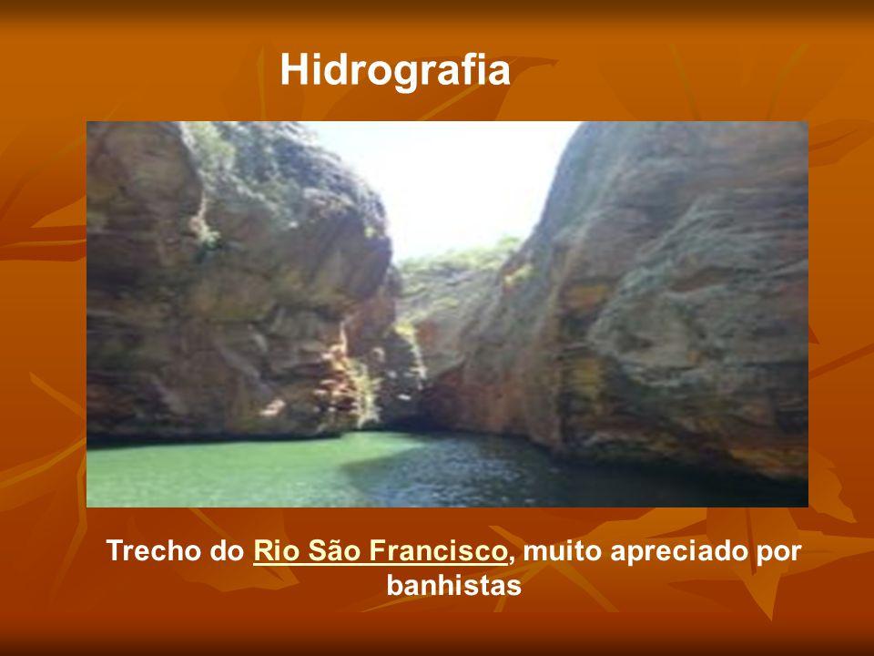 Hidrografia Trecho do Rio São Francisco, muito apreciado por banhistasRio São Francisco