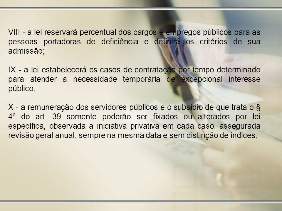 EMPREGADOS XXXI - Proibição de qualquer discriminação no tocante a salário e critérios de admissão do trabalhador portador de deficiência XXXII - Proibição de distinção entre trabalho manual, técnico e intelectual ou entre os profissionais respectivos XXXIII - Proibição de trabalho noturno, perigoso ou insalubre a menores de dezoito e de qualquer trabalho a menores de dezesseis anos, salvo na condição de aprendiz, a partir de quatorze anos XXXIV - Igualdade de direitos entre o trabalhador com vínculo empregatício permanente e o trabalhador avulso.